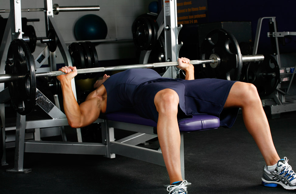 barbell bench press flat muscle groups worked chest how to perform ...